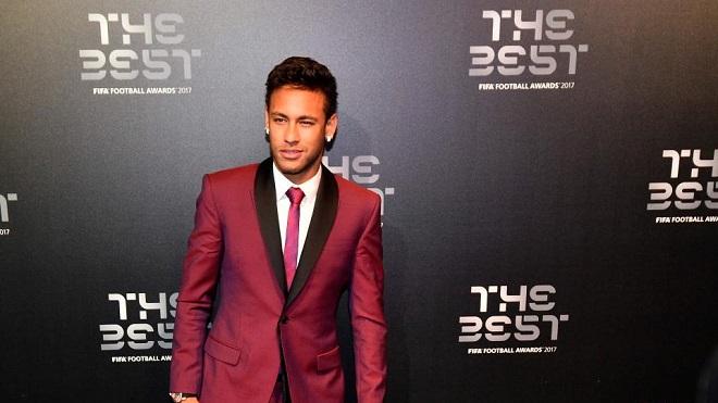 Neymar-va-dac-quyen-suong-nhu-vua